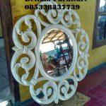 Cermin Hias Klasik Duco Putih Bulat Bulat