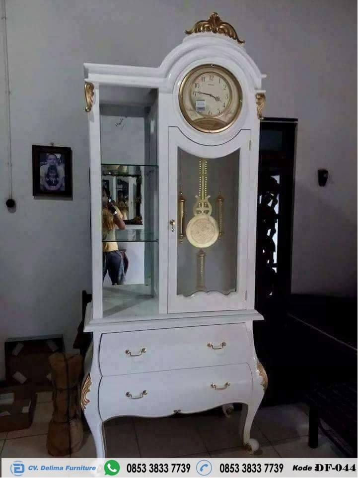 Model Lemari Jam Cat Duco Klasik Warna Putih