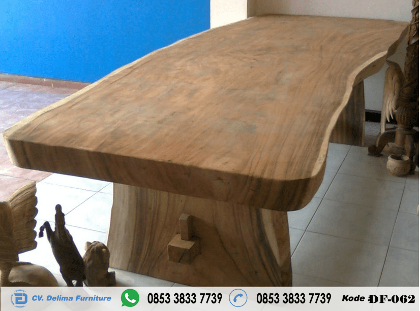 Meja Trembesi Kayu Solid Model Alami