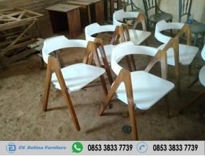 Kursi Cafe Kayu Jati Model A