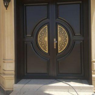 Pintu Kupu Tarung Utama Kayu Jati Warna Hitam