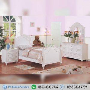 Set Kamar Tidur Anak Perempuan Klasik
