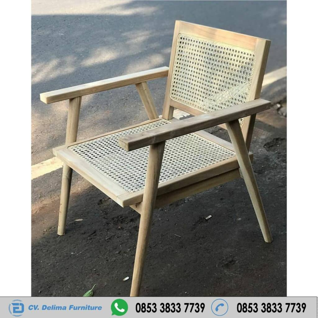 Kursi Cafe Kayu Jati Anyaman Rotan Arm Chair