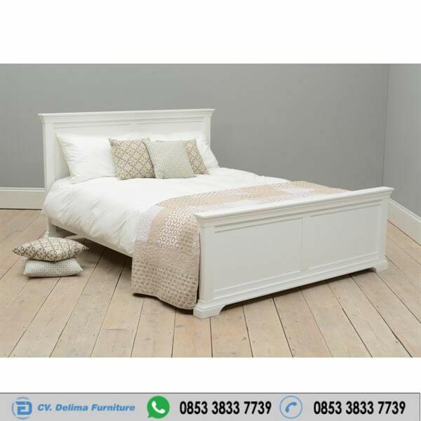 Tempat Tidur Minimalis Chamtilly Cat Duco