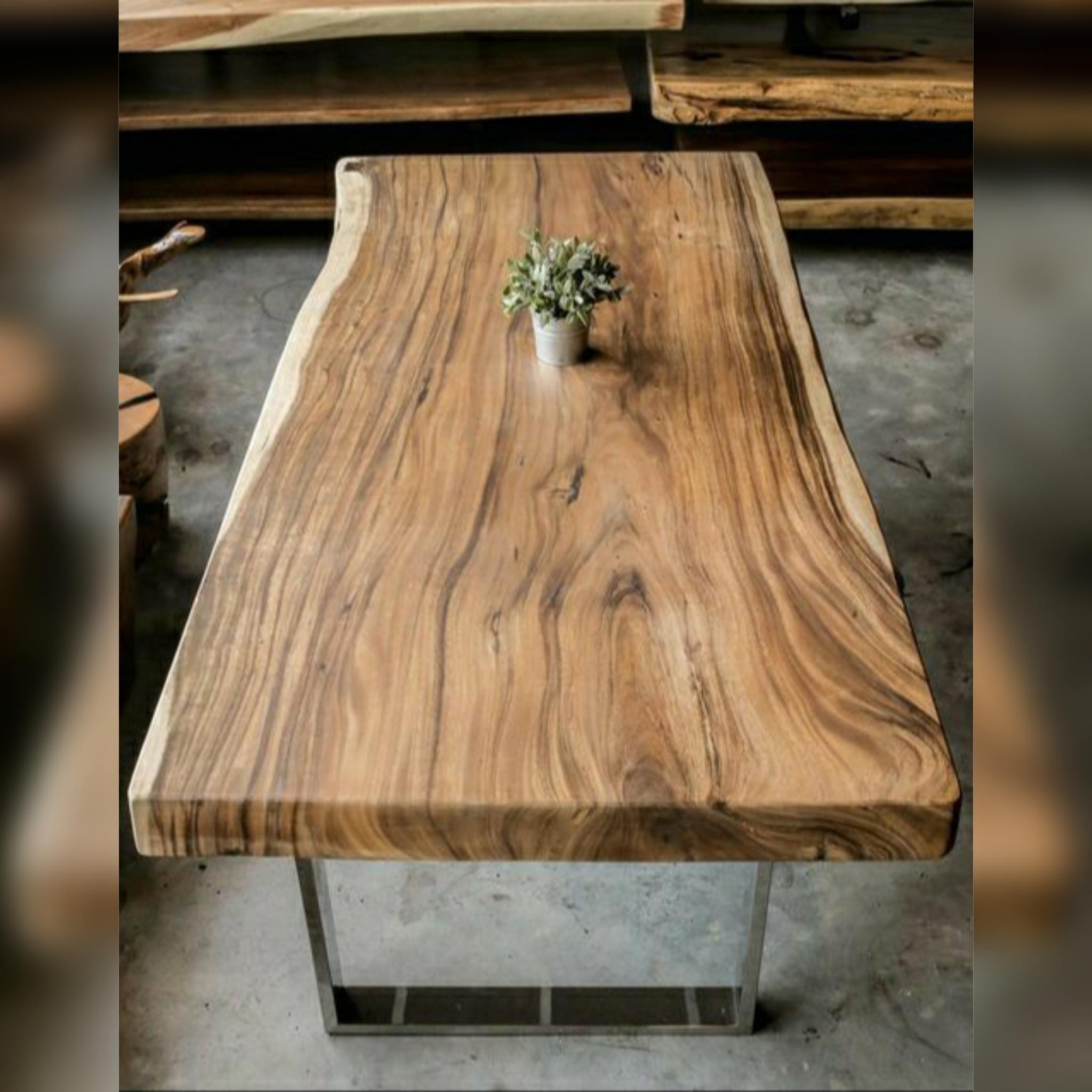 Slab Dining Table Kayu Solid Trembesi