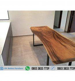 Meja Kayu Solid Trembesi Panjang 250 cm
