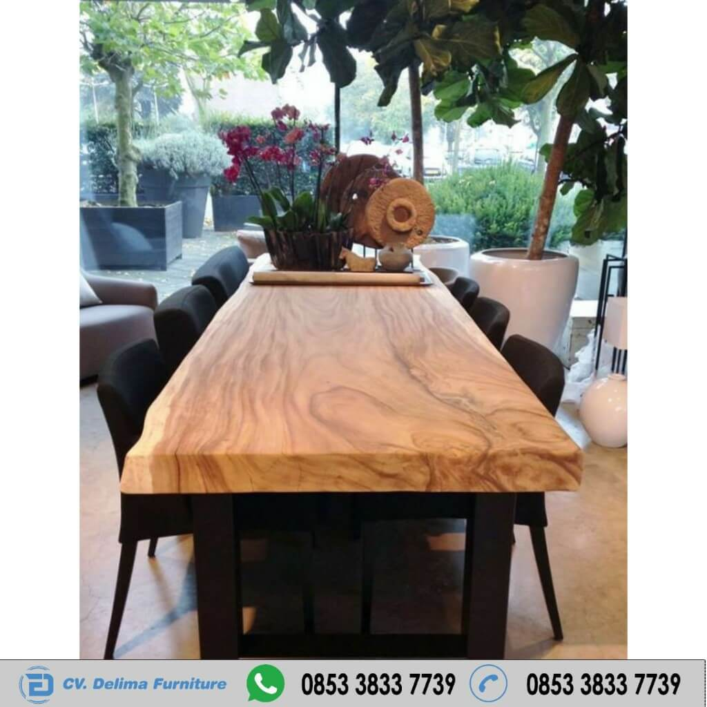 Meja Kayu Trembesi Slab Natural Solid