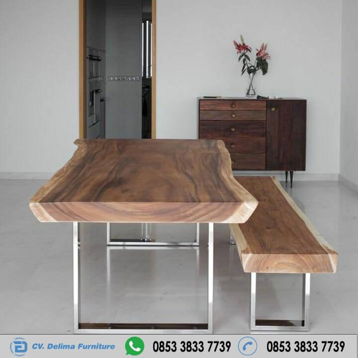Meja Makan Kayu Solid Natural Alami